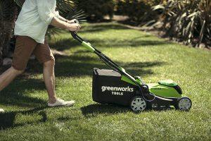 Avis tondeuse à gazon sans fil 2504707UC de Greenworks